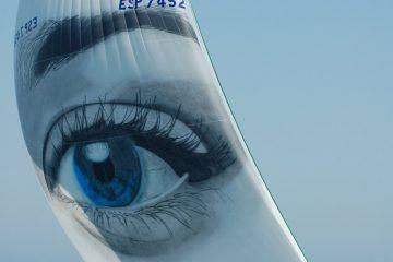 עיניים עצומות