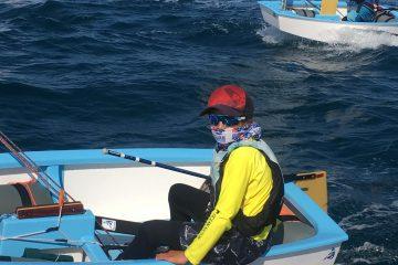 לרוי לוי בן ה-13 מהפועל שדות ים שסיים שלישי בתחרות סירות האופטימיסט עד 16 קארניוואל רייס שבקרוטונה איטליה